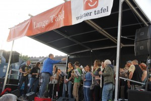 Lange-Tafel-2015-366